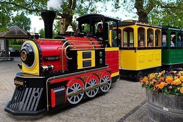 Wattman Maxi Express in amusement park driving