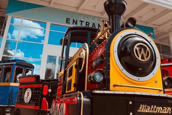 Wattman World Icon Park Pearl Express Train