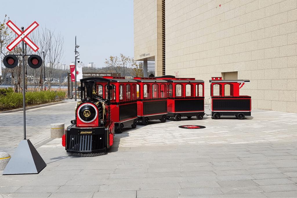 Wattman trackless trains